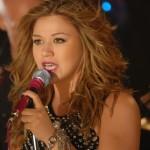 Kelly Clarkson: Stronger