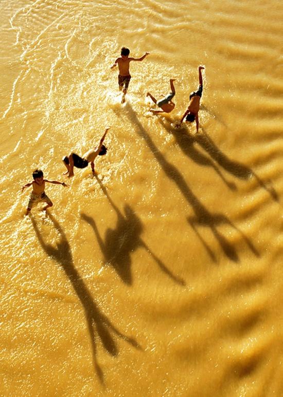 tengerparton ugrálás