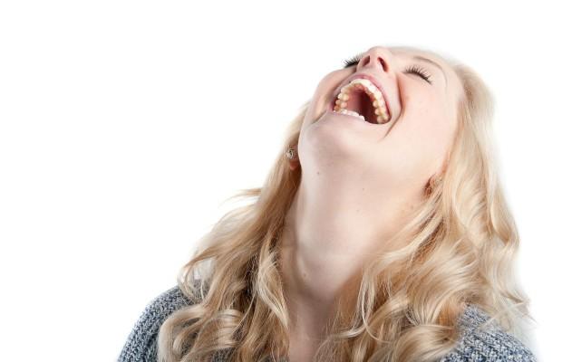 nevetés
