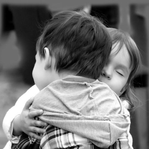 gyerekek ölelés