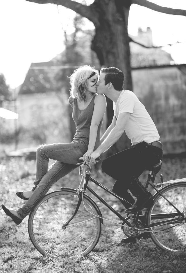 biciklis csók