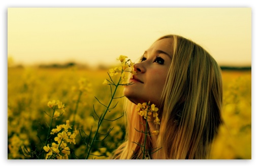 smelling_flowers_2-t2