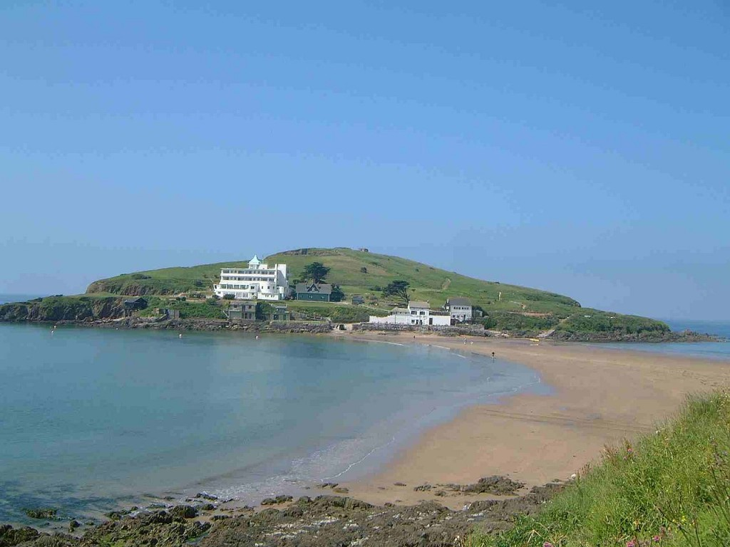 1280px-Burgh_Island_from_mainland