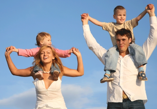 Married-Couples-with-Children-Are-Happiest-2