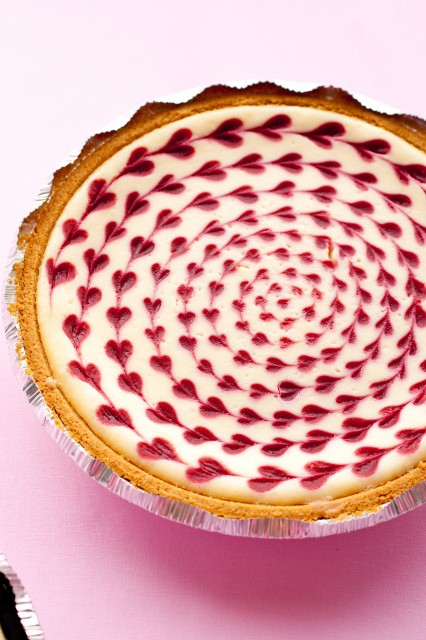 white-chocolate-raspberry-cheesecake3-426x640