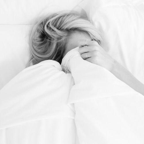 ágyban maradni