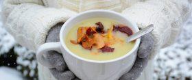 Egy melengető finomság: almás-burgonyás pasztinák krémleves